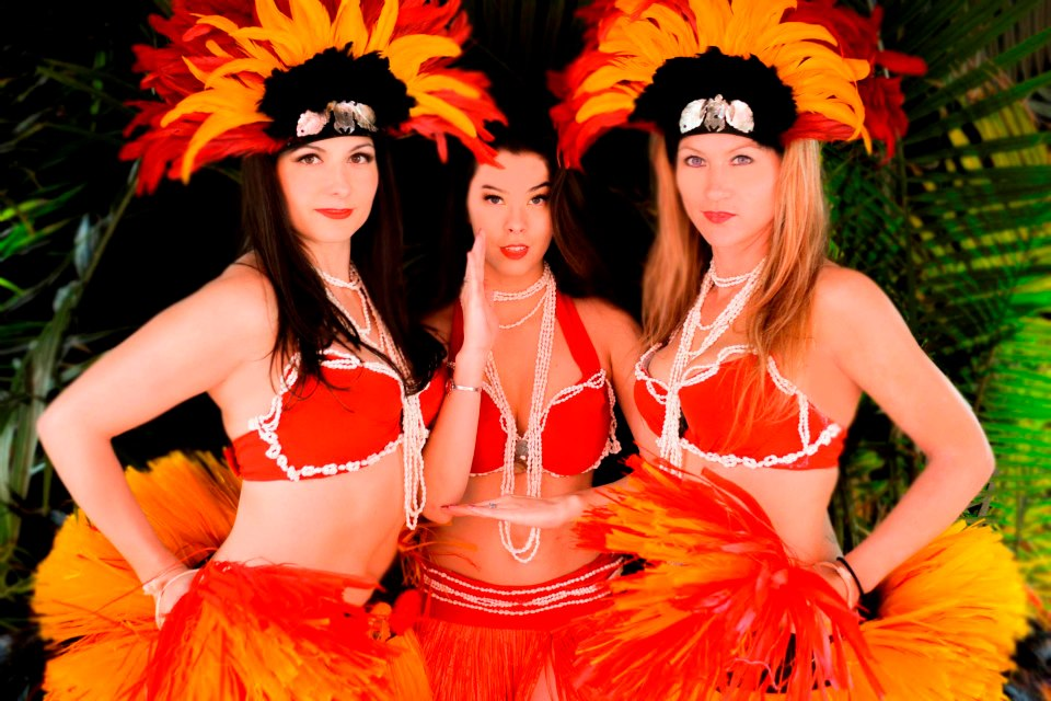 Tahitian performance troupe